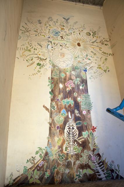 世界を語る木-A tree narrates the world